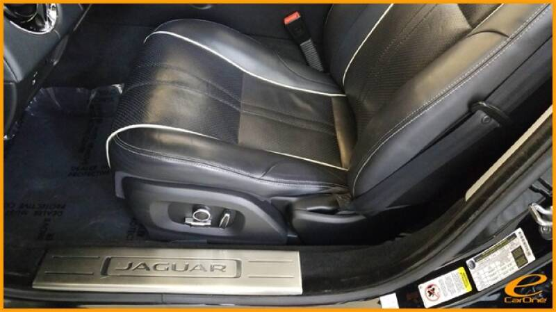 2016 Jaguar XJ R-Sport (image 35)