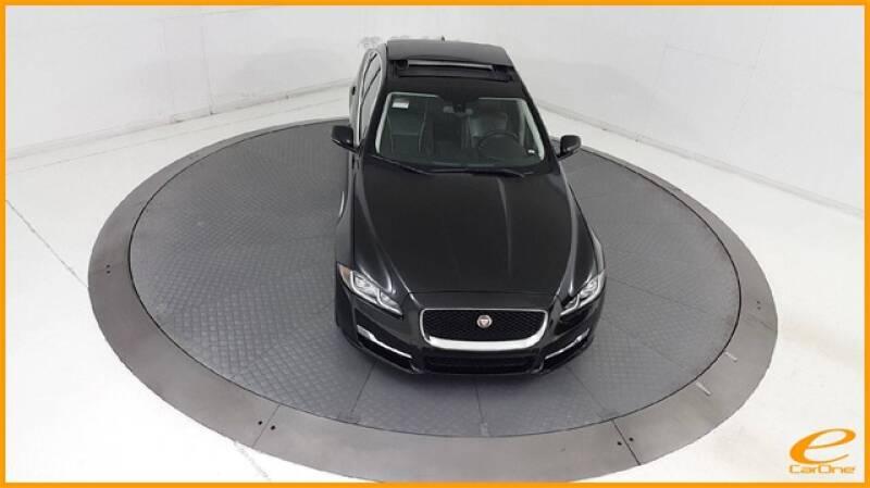 2016 Jaguar XJ R-Sport (image 69)