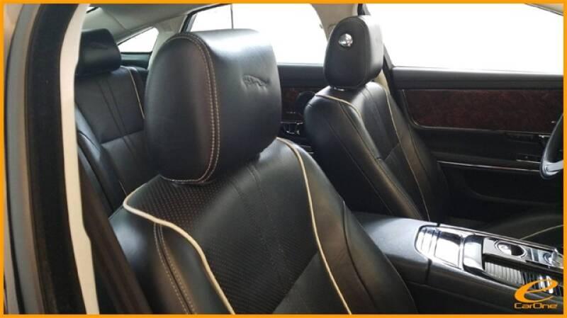 2016 Jaguar XJ R-Sport (image 22)