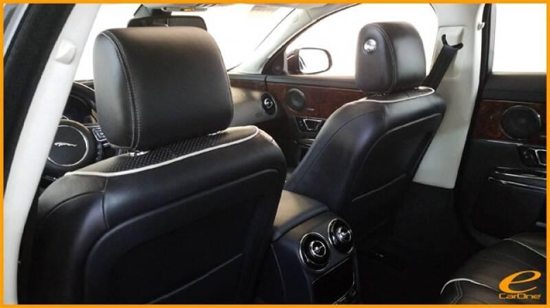 2016 Jaguar XJ R-Sport (image 32)