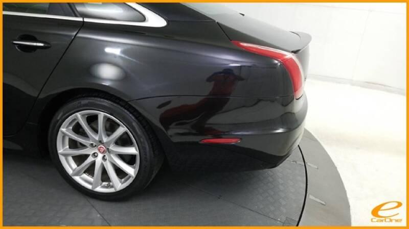 2016 Jaguar XJ R-Sport (image 10)