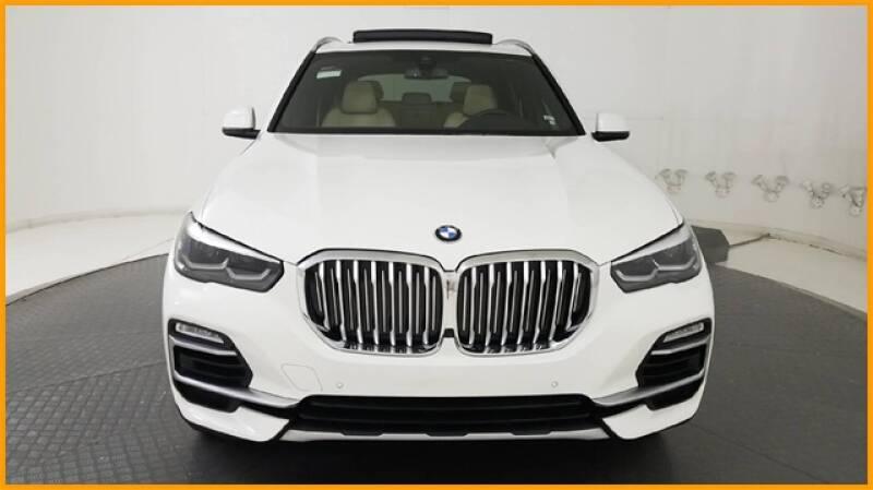2019 BMW X5 xDrive40i (image 2)