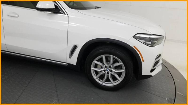 2019 BMW X5 xDrive40i (image 7)
