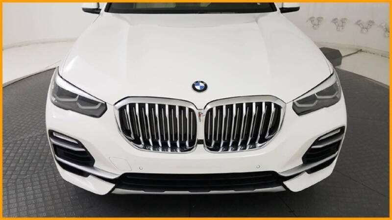 2019 BMW X5 xDrive40i (image 8)