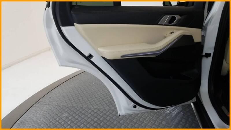 2019 BMW X5 xDrive40i (image 32)