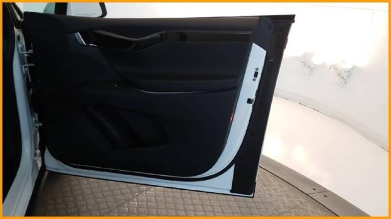 2018 Tesla Model X 100D (image 27)
