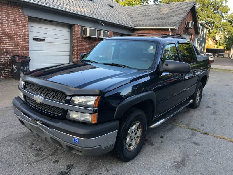 2004 Chevrolet Avalanche for sale at Emory Street Auto Sales and Service in Attleboro MA