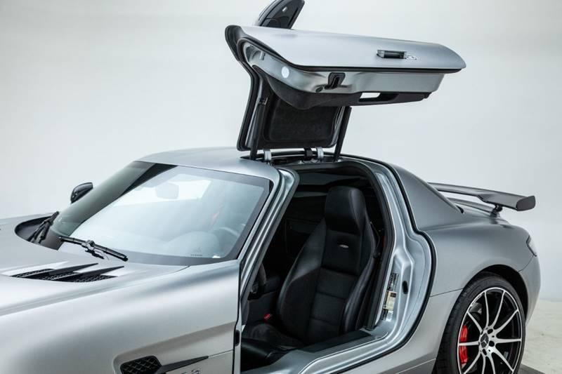 2013 Mercedes-Benz SLS AMG 14