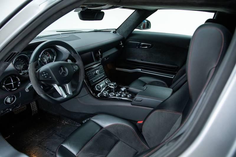 2013 Mercedes-Benz SLS AMG 16
