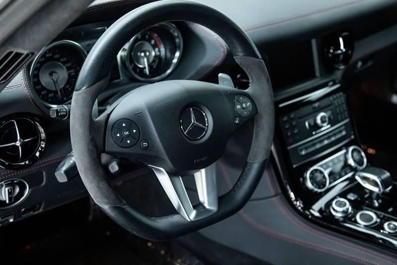 2013 Mercedes-Benz SLS AMG 18