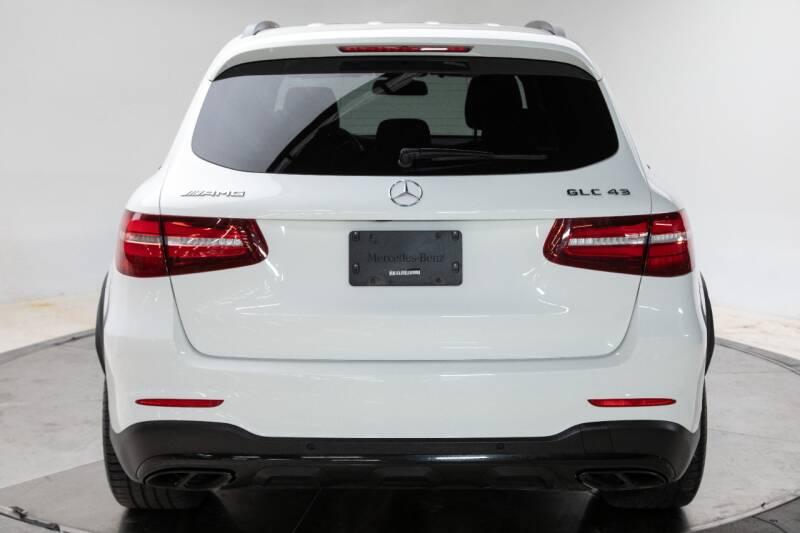 2018 Mercedes-Benz GLC 8