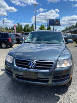 2007 Volkswagen Touareg V6 for sale at Road Star Auto Sales in Puyallup WA