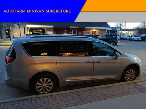 2018 Chrysler Pacifica Touring L for sale at AUTOFARM MINIVAN SUPERSTORE in Middletown IN