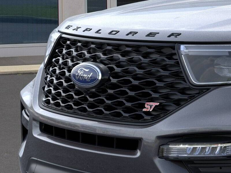 2020 Ford Explorer ST (image 17)