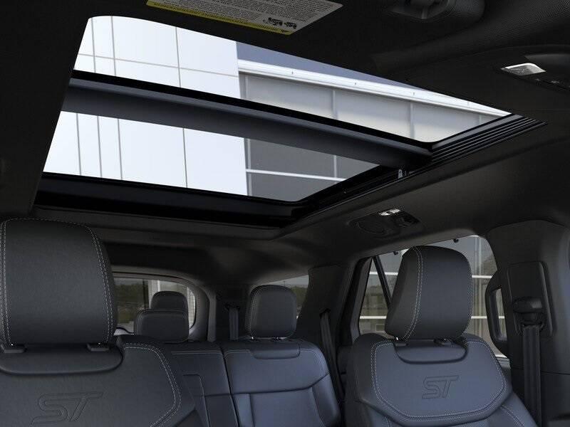 2020 Ford Explorer ST (image 22)