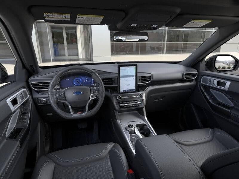 2020 Ford Explorer ST (image 9)