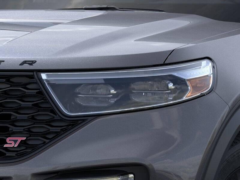 2020 Ford Explorer ST (image 18)