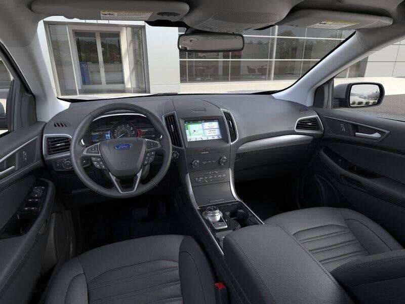 2020 Ford Edge SEL (image 9)