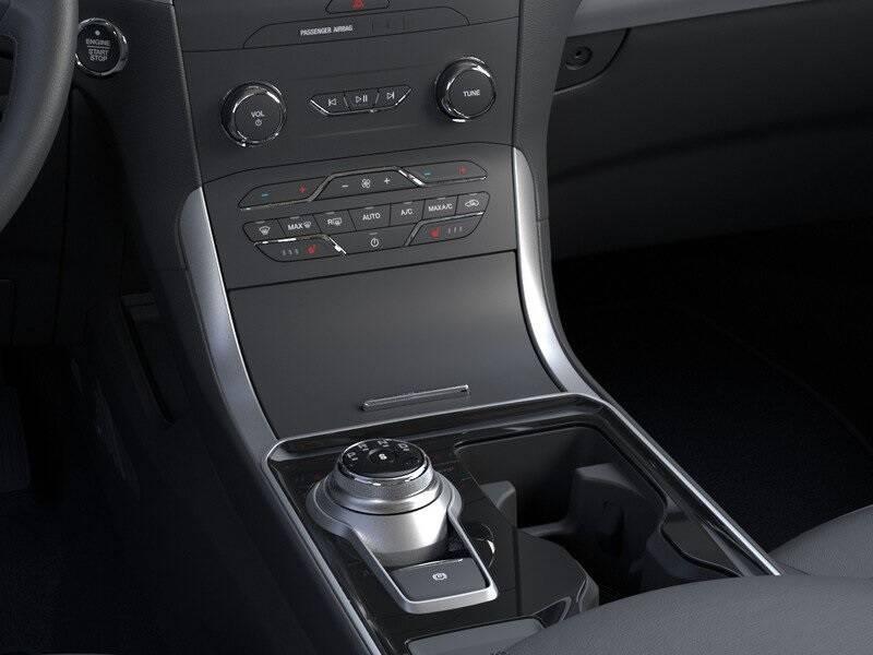 2020 Ford Edge SEL (image 15)