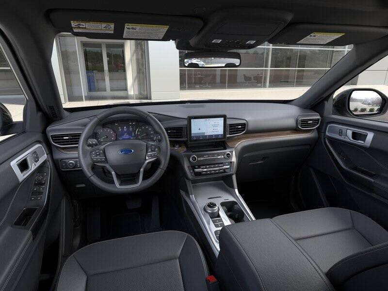 2020 Ford Explorer Limited (image 9)