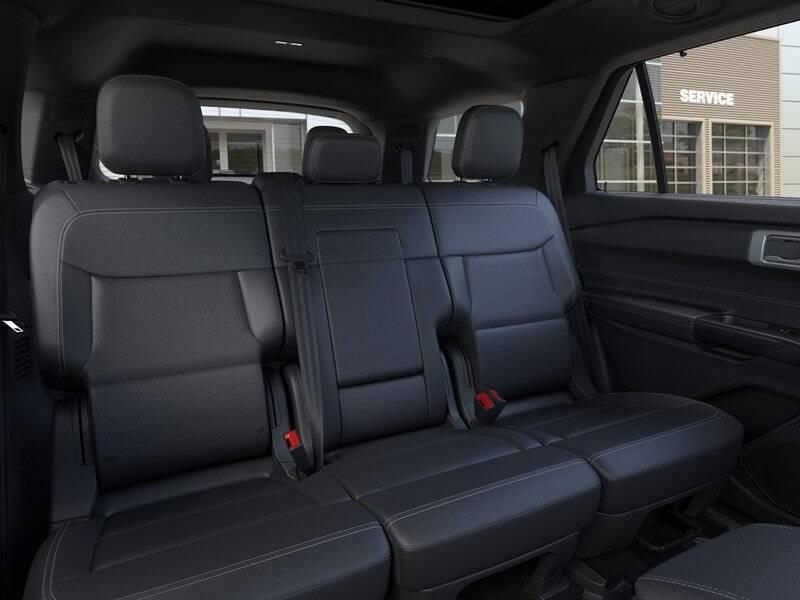 2020 Ford Explorer Limited (image 11)