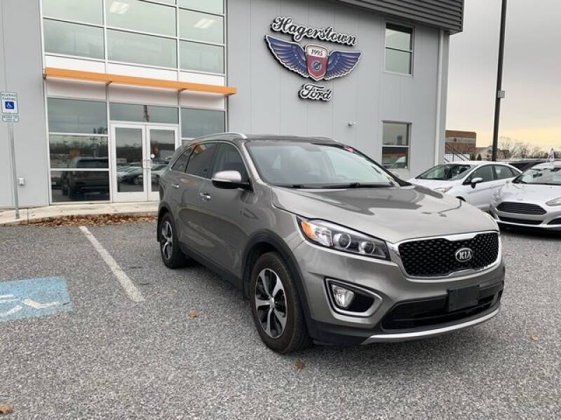 2016 Kia Sorento for sale at King Motors featuring Chris Ridenour in Martinsburg WV