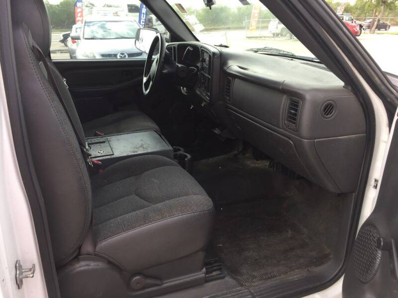 2005 Chevrolet Silverado 1500 (image 8)