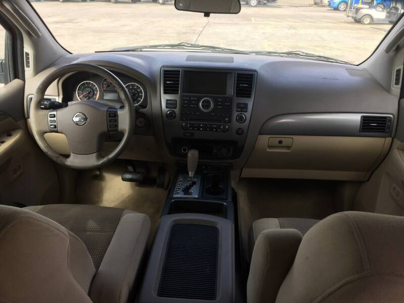 2012 Nissan Armada SV (image 11)