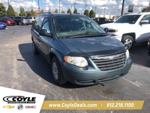 2005 Chrysler Town and Country for sale at COYLE GM - COYLE NISSAN - New Inventory in Clarksville IN