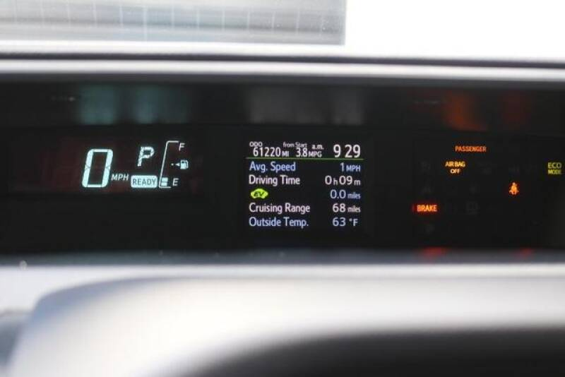 2015 Toyota Prius c Two (image 28)