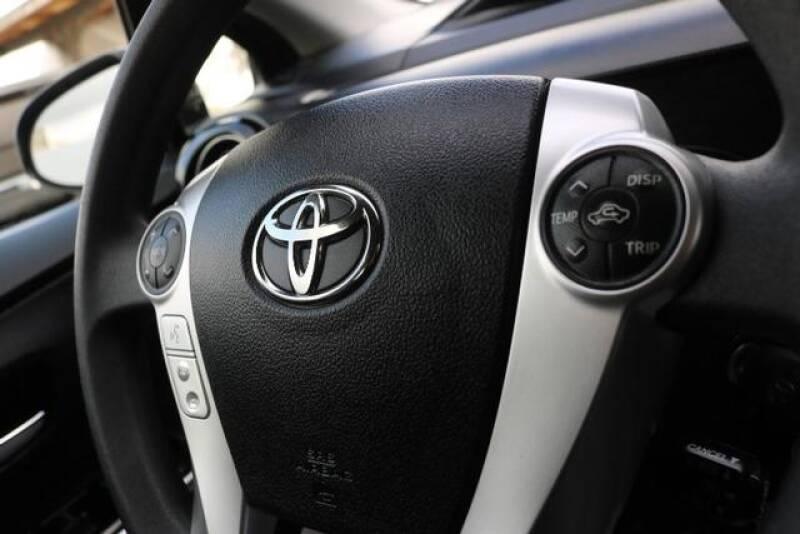 2015 Toyota Prius c Two (image 29)