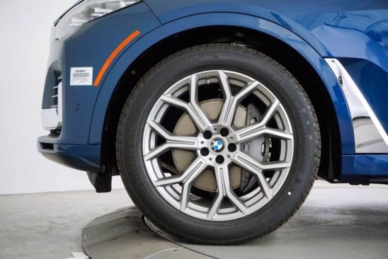 2020 BMW X7 xDrive40i (image 44)