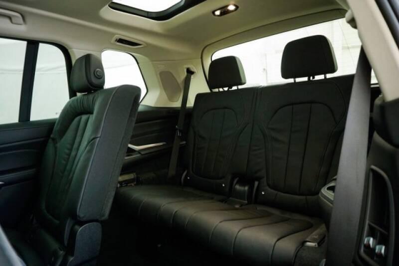 2020 BMW X7 xDrive40i (image 34)