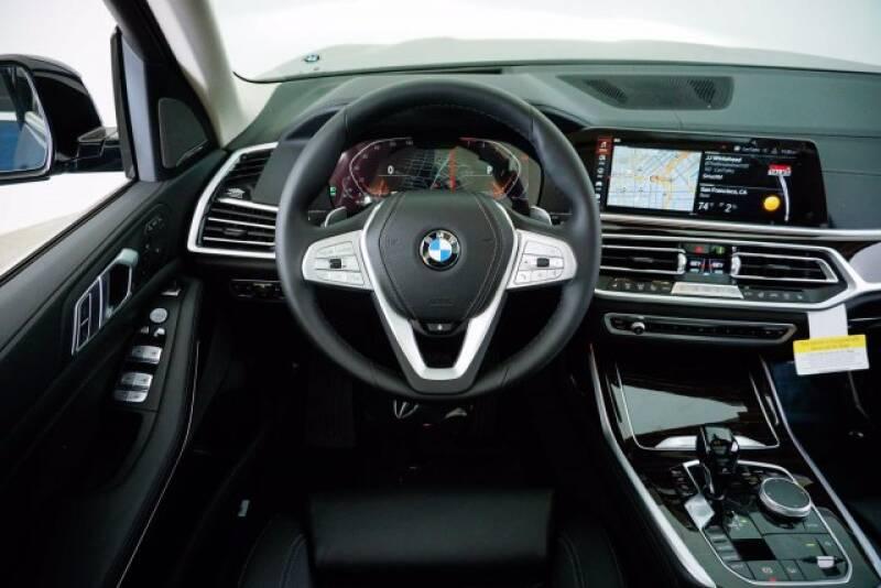 2020 BMW X7 xDrive40i (image 10)