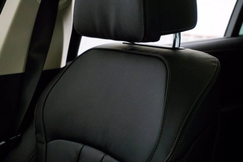 2020 BMW X7 xDrive40i (image 27)