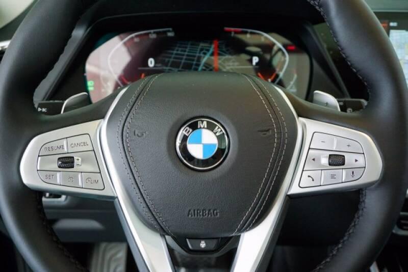 2020 BMW X7 xDrive40i (image 11)