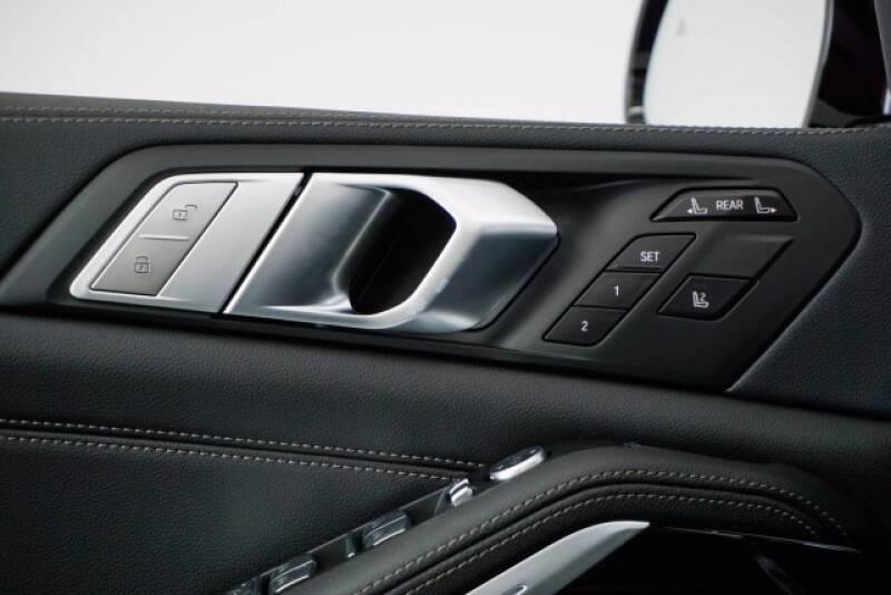 2020 BMW X7 xDrive40i (image 26)