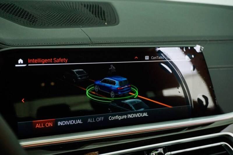 2020 BMW X7 xDrive40i (image 16)