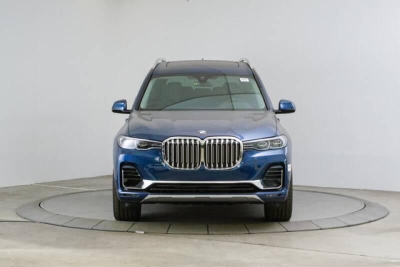 2020 BMW X7 xDrive40i (image 8)