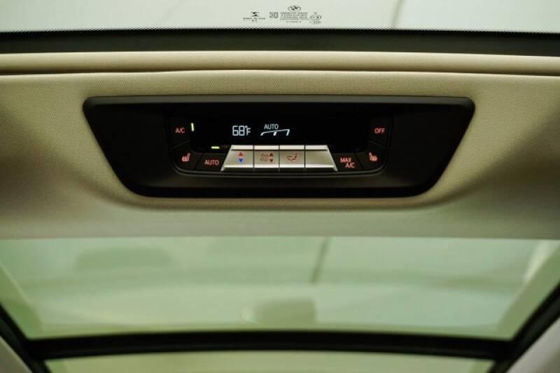 2020 BMW X7 xDrive40i (image 35)