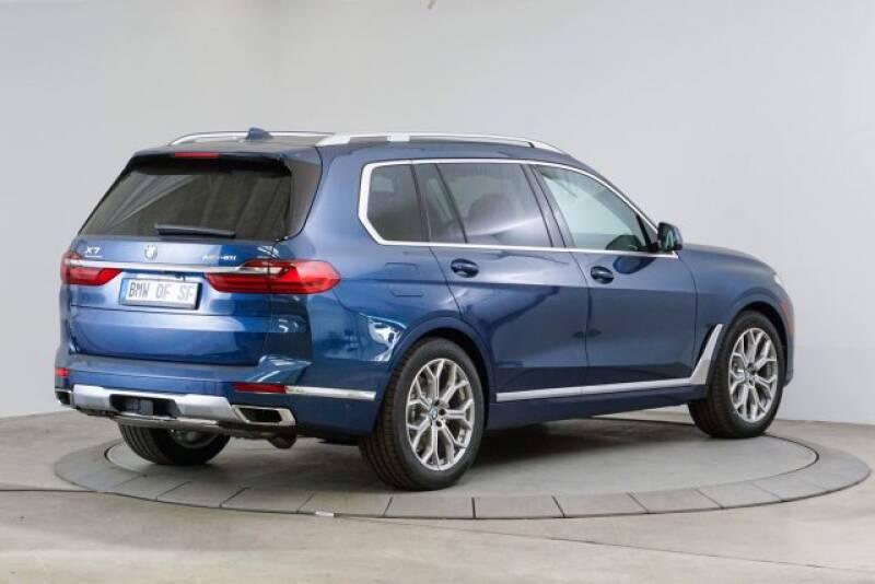 2020 BMW X7 xDrive40i (image 5)