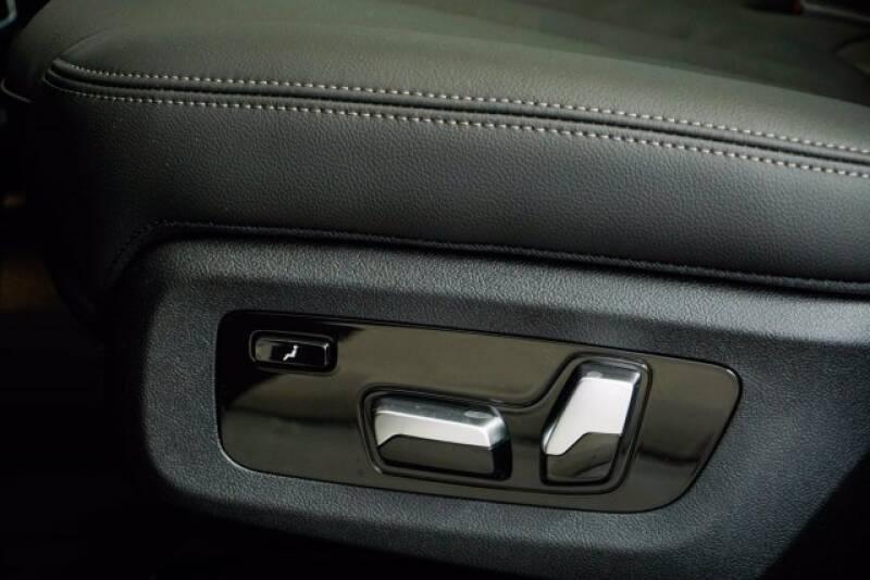 2020 BMW X7 xDrive40i (image 31)