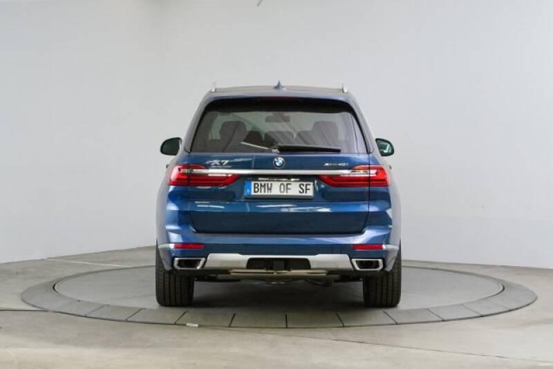 2020 BMW X7 xDrive40i (image 4)