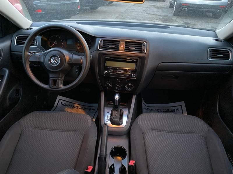 2011 Volkswagen Jetta (image 18)