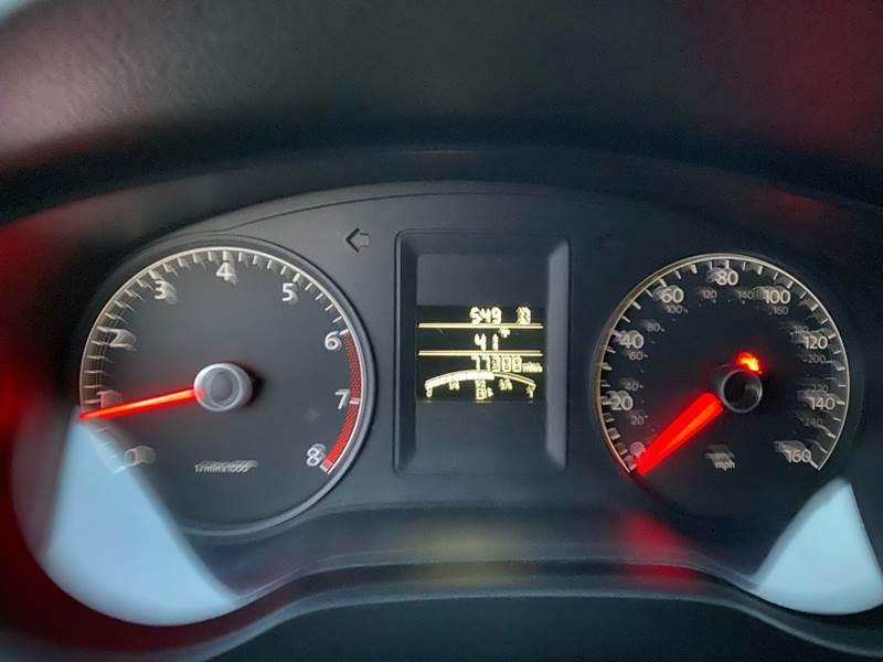 2011 Volkswagen Jetta (image 21)