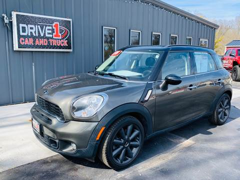 2011 MINI Cooper Countryman S for sale at Drive 1 Car & Truck in Springfield OH