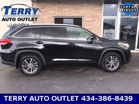 2017 Toyota Highlander for sale at Terry Auto Outlet in Lynchburg VA