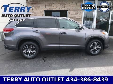 2019 Toyota Highlander for sale at Terry Auto Outlet in Lynchburg VA