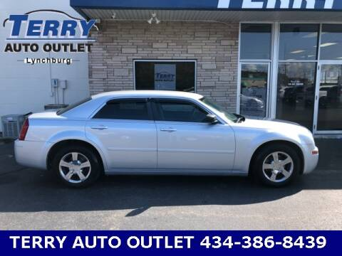 2005 Chrysler 300 for sale at Terry Auto Outlet in Lynchburg VA