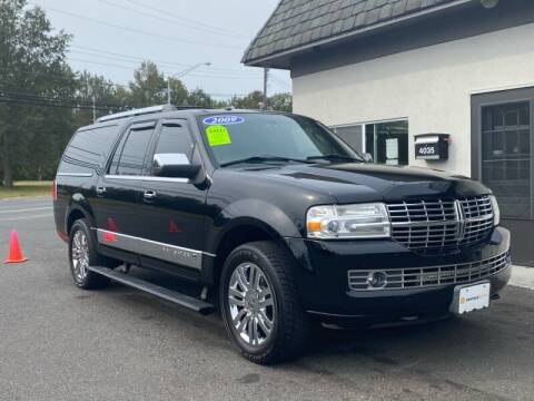 2009 Lincoln Navigator L for sale at Vantage Auto Group Tinton Falls in Tinton Falls NJ